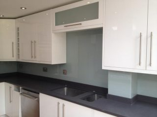 Coloured glass splashbacks UK & glass upstands