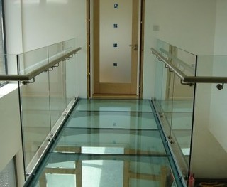 Glass floor walkway glass balustrade