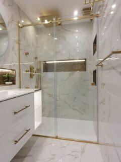 Glass 360 Sliding Door Shower Enclosure 1